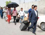 اسلام آباد، طاہر القادری کی آمد کے موقع پر ائیرپورٹ پر داخلہ بند ہونے ..