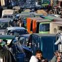 راولپنڈی: راجہ بازار میں ٹریفک جام کا منظر۔