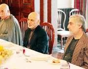 کابل، افغان صدر اشرف غنی، چیف ایگزیکٹو عبداللہ عبداللہ پاکستانی پشتون ..