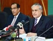 اسلامآباد، وفاقی وزیر خزانہ سینیٹر اسحاق ڈار پریس کانفرنس سے خطاب ..