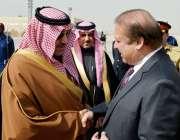 ریاض، گورنر ریاض شہزادہ ترکی بن عبداللہ بن عبدالعزیز ریاض پہنچنے پر ..