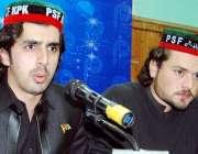 پشاور، پاکستان پیپلز سٹوڈنٹس کے صدر ریاض خان یوسفزئی پریس کانفرنس ..