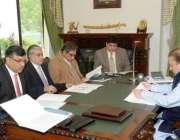 اسلام آباد، وزیراعظم نواز شریف پیٹرولیم بحران پر اعلی سطحی اجلاس کی ..