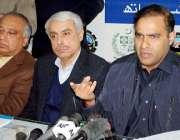پشاور، وزیر مملکت برائے پانی و بجلی عابد شیر علی واپڈا ہاؤس میں پریس ..