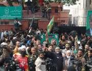 لاہور، سپیکر قومی اسمبلی سردار ایاز صادق کی این اے 122 دھاندلی کیس میں ..