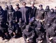 نوشہرہ، تحریک انصاف کے چئیرمین عمران خان پولیس ٹریننگ سکول میں تربیت ..