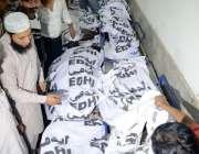 کراچی، حیدر آباد سے کراچی آنے والی مسافر وین میں سلنڈر پھٹنے کے باعث ..