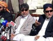 کوئٹہ، بلوچستان نیشنل پارٹی کے سربراہ اختر مینگل صحافیوں سے گفتگو ..