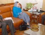 کوئٹہ، گورنر بلوچستان محمد خان اچکزئی سے چئیرپرسن بینظیر انکم سپورٹ ..