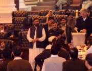 پشاور، سینیٹ انتخابات کے موقع پر وزیراعلی خیبرپختونخوا پرویز خٹک اپنا ..