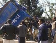 اسلام آباد، پولی کلینک ہسپتال کے باہر انتظامیہ ناجائز تجاوزات ہٹا ..