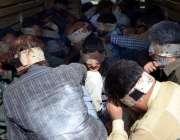 کراچی، متحدہ قومی موومنٹ کے مرکز نائن زیرو پر رینجرز کے چھاپے کے بعد ..