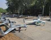 پاک فوج کے تیارہ کردہ ڈرون براق اور براق لیزر گائیڈڈ میزائل۔