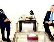 اسلام آباد: وزیر خزانہ اسحاق ڈار چیف آف ائیر سٹاف ائیر چیف مارشل سہیل ..