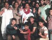 لاہور: کینٹ وارڈ نمبر 2محلہ دھوبی گھاٹ میں انتخابی دفتر کے افتتاح کے ..