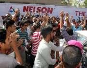 کراچی: حلقہ NA246کے ضمنی الیکشن کے موقع پر گورنمنٹ کمپری ہینسیو ہائی اسکول ..