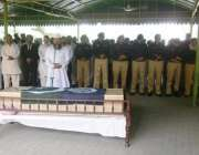لاہور: پولیس لائنز قلعہ گجر سنگ میں شہید کانسٹیبل محمد یونس کی نماز ..