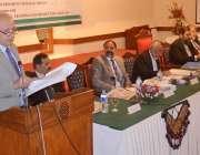 کوئٹہ : پانچویں بین الصوبائی وزراء تعلیم کانفرنس کے شرکاء سے گورنر ..