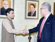 لاہور: رکن قومی اسمبلی حمزہ شہباز شریف اور امریکی قونصل جنرل لاہور ..