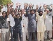 راولپنڈی: البراک کمپنی کے ملازمین اپنے مطالبات کے حق میں احتجاجی مظاہرہ ..