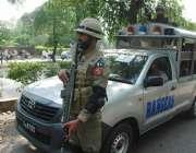 لاہور: پاکستان کے دورے پر آئے زمبابوے کرکٹ ٹیم کے کھلاڑیوں کو قذافی ..