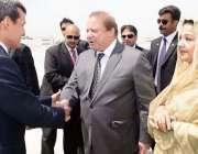 اشک آباد: ترکمانستان کے نائب وزیر اعظم راشد مرید و وزیر اعظم نواز شریف ..