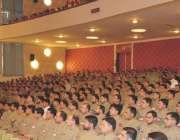 کوئٹہ: آرمی چیف جنرل راحیل شریف کانڈز اینڈ سٹاف کالج کوئٹہ میں نوجوانوں ..