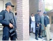 راولپنڈی: سابق صدر آصف علی زرداری کی احتساب عدالت پیشی کے موقع پر سیکیورٹی ..