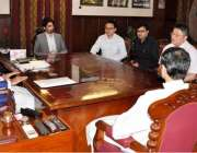 پشاور: گورنر خیبر پختونخوا سردار محتاب خان سے چائنیز انویسٹرز کا نمائندہ ..