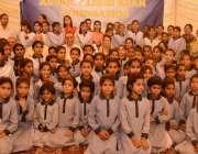 لاہور: چیئرمین تحریک انصاف عمران خان کی اہلیہ ریحام خان کا عبدالعلیم ..