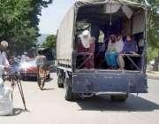 اسلام آباد: بھکاریوں کے خلاف چلائی گئی مہم میں پولیس اہلکار ایک بھکاری ..