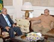 لاہور: وزیر اعلیٰ پنجاب محمدج شہباز شریف اور گونر پنجاب ملک محمد رفیق ..