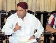 سکھر: وزیر مملکت پانی و بجلی عابد شیر علی پریس کانفرنس سے خطاب کر رہے ..