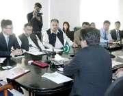 لاہور: صوبائی وزیر محنت راجہ اشفاق سرور سے معروف چینی کمپنی شین ڈونگ ..