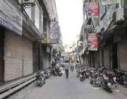 لاہور: بینکوں سے لین دین پر عائد ود ہولڈنگ ٹیکس کے خلاف تاجروں کی ہڑتال ..
