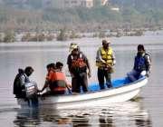 حیدر آباد: کنٹونمنٹ بورڈ کی جانب سے مچھر مار مہم کے دوران جی ٹی سی میں ..