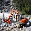 چائنہ: لینڈ سلائیڈنگ کے دوران تباہ شدہ عمارت کا منظر۔