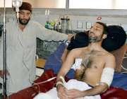 پشاور: چار سدہ میں نہ معلوم افراد کی فائرنگ سے زخمی ہونیوالے سکول کے ..