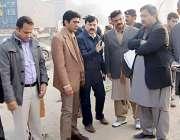 لاہور: ڈی سی او لاہور کیپٹن (ر)محمد عثمان اورنج لائن میٹرو روٹ کا دورہ ..