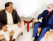 اسلام آباد: صدر مسلم لیگ (ن) آزاد کشمیر راجہ فاروق حیدر خان سے چیئرمین ..