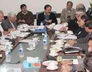 پشاور: خیبر پختونخوا کے سینئر وزیر برائے آبپاشی سکندر حیات خان گوندل ..