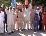 کراچی: مقامی علاقہ کے رہائشی پانی کی عدم موجودگی کے باعث کنٹونمنٹ بور ..