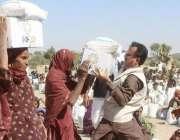 اسلام کوٹ: پی آر ایف حلیم عادل شیخ غذائی قلت سے متاثرہ افراد میں امدادی ..