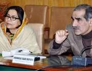 لاہور: وفاقی وزیر ریلوے خواجہ سعد رفیق ریلوے ہیڈ کوارٹر میں اعلیٰ سطحی ..