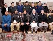 پشاور: چیئرمین پاکستان تحریک انصاف اور وزیر اعلیٰ خیبرج پختونخوا پرویز ..