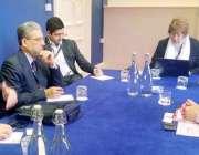لاہور: صوبائی وزیر تعلیم رانا مشہود احمد خان لندن میں برطانوی وزیر ..