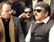 مظفر آباد: آزاد کشمیر کے وزیر صحت سردار قمرالزمان خان وزیراعظم کے سینئر ..