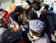 پشاور: چار سدہ باچا خان یونیورسٹی پر دہشتگردوں کے حملے میں زخمی افراد ..