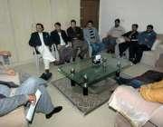 لاہور: تحریک انصاف پنجاب کے سابق آرگنائزر چوہدری محمد سرور سے اپوزیشن ..