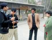 لاہور: ڈی سی او لاہور کیپٹن (ر) محمد عثمان اور سی پی او رلاہور امین وینس ..